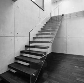 treppen aus holz und metall modern und traditionell. Black Bedroom Furniture Sets. Home Design Ideas